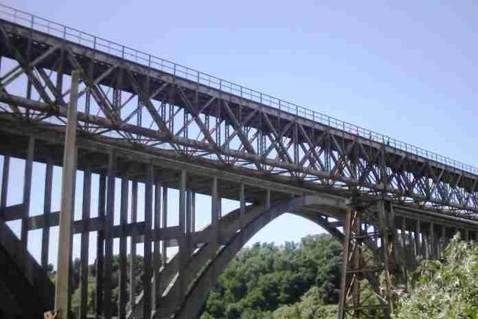 Il ponte sul Petrace