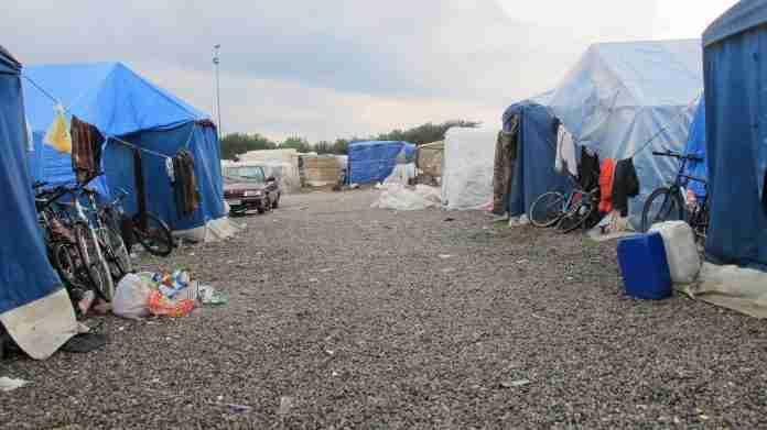 tendopoli migranti