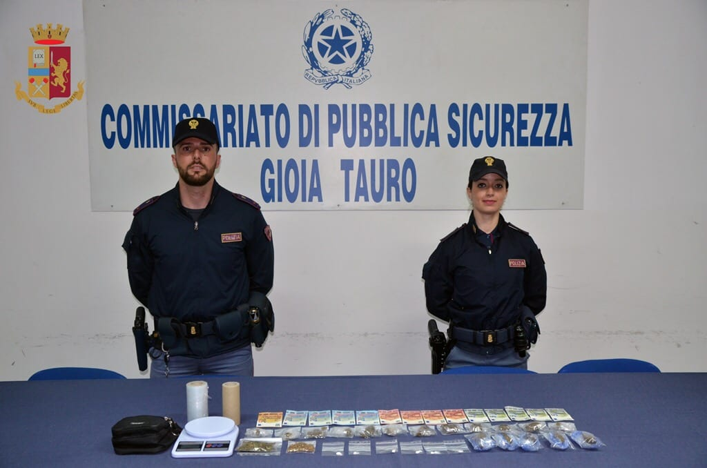 Tre mazaresi arrestati in Polinesia con 436 chili di cocaina